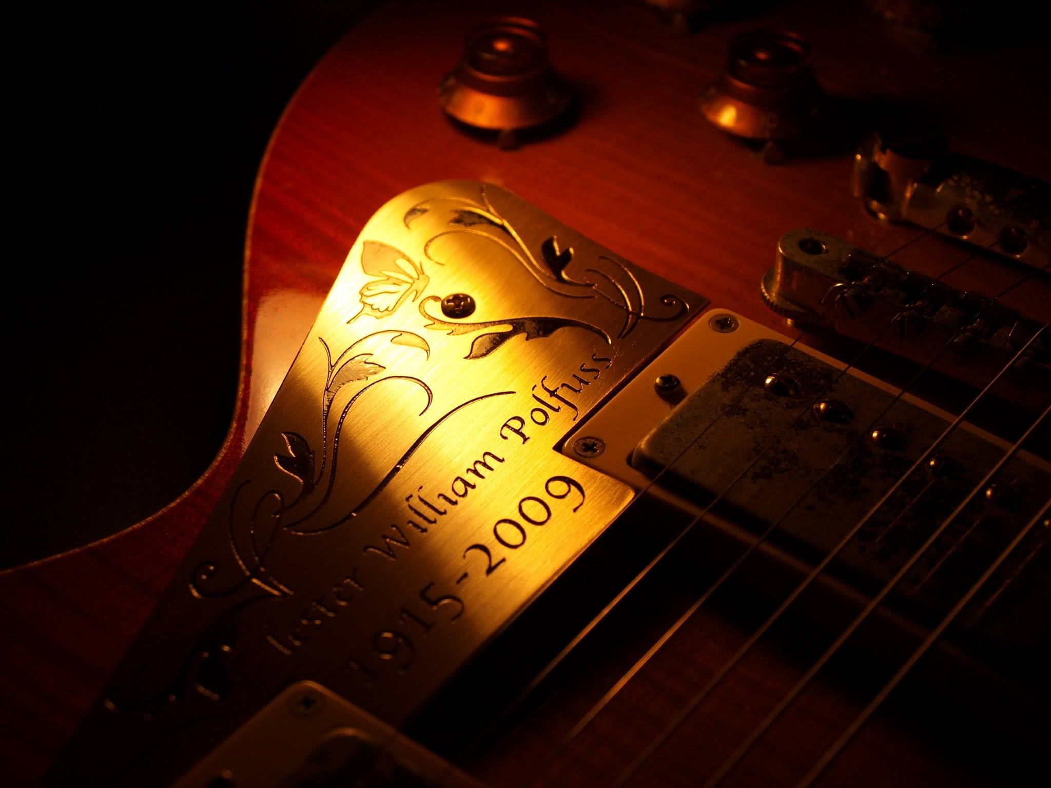 滋賀 イレブンギターズ リペア ピックガード製作 金属