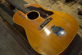 フレット交換 Gibson J-50