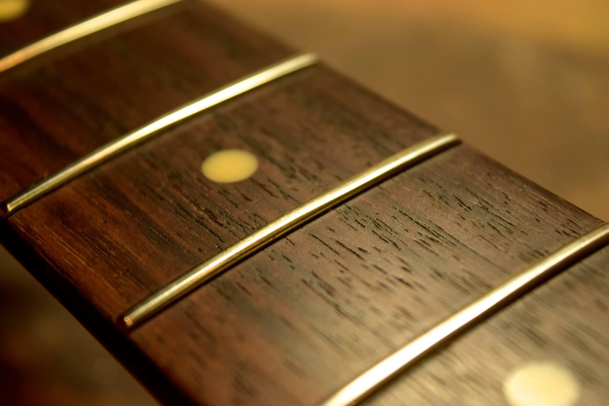 滋賀 イレブンギターズ リペア フレット擦り合わせ ビビり