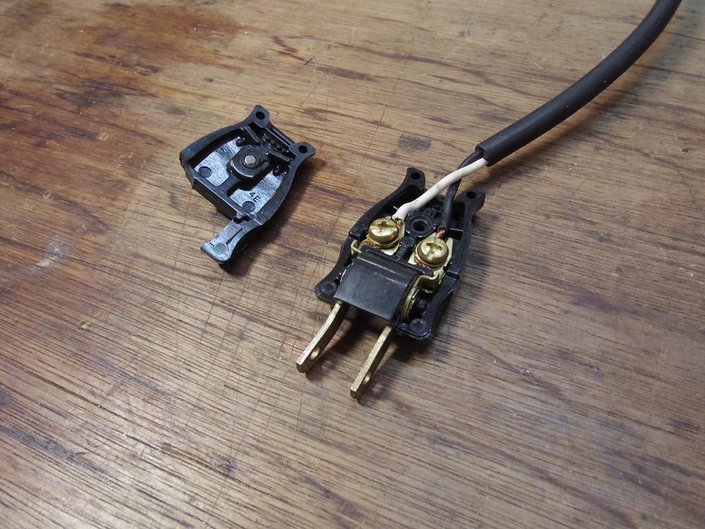 電源プラグ交換