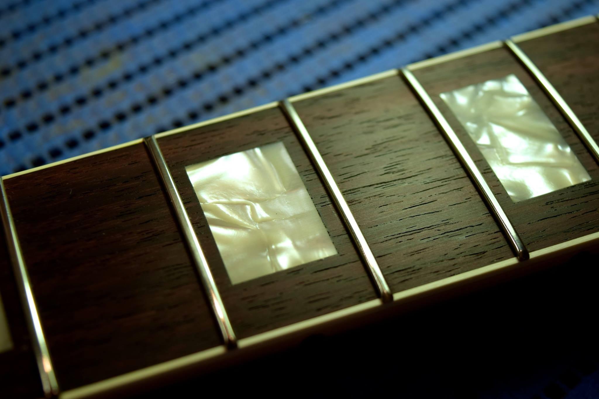 滋賀 イレブンギターズ リペア フレット交換