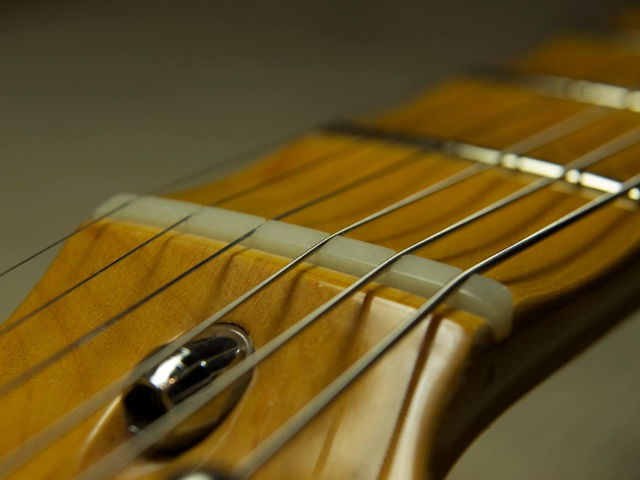滋賀 イレブンギターズ リペア ナット交換 オイルナット