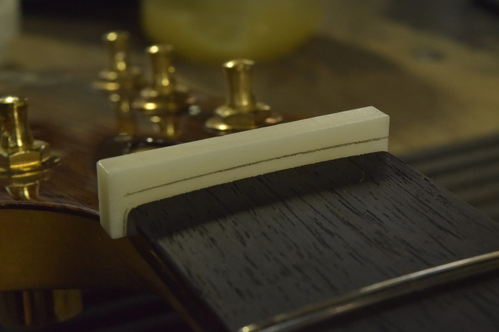 牛骨ナット製作