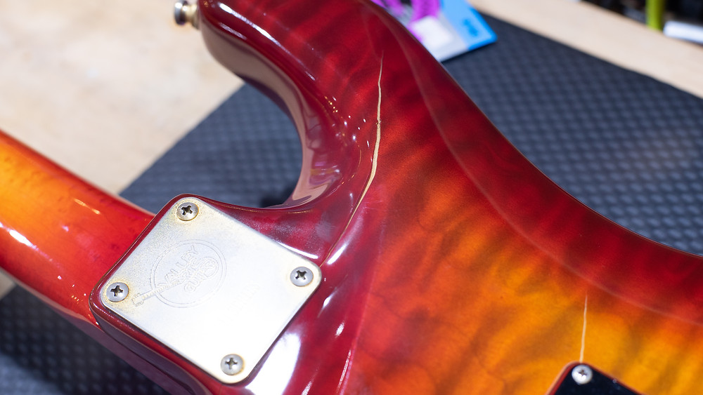 Valley Arts Steve Lukather Model 施工前
