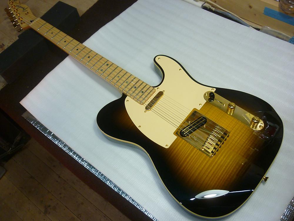 Fender Japan Exclusive Ritchie Kotzen Telecaster Brown Sunburst 組み込み
