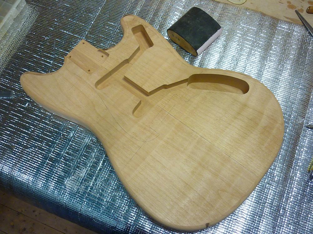 Fender MUSIC MASTER 木工完了