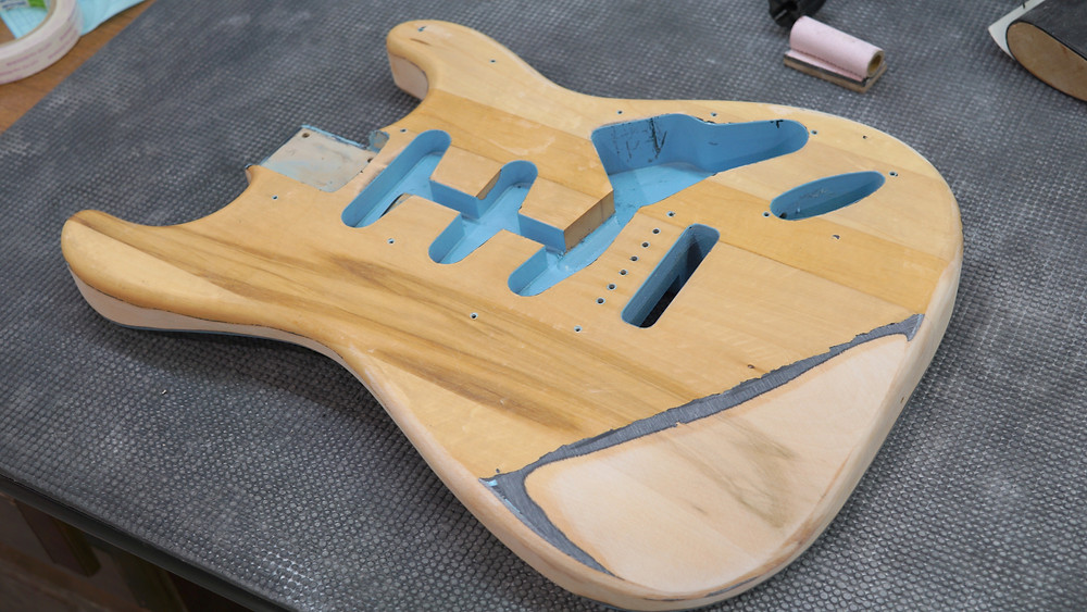 Fender ST 塗装剥がし