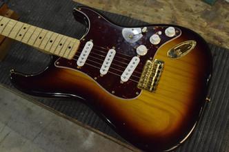 Fender ST スキャロップ加工