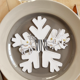 [Créations personnalisées] Flocons brodés - Décoration de table de Noël