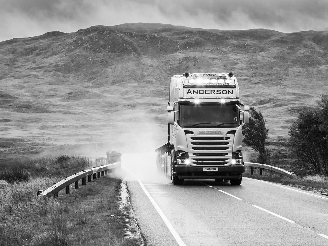 MONO - Into the Highlands by Chris Millar ( 10 marks)