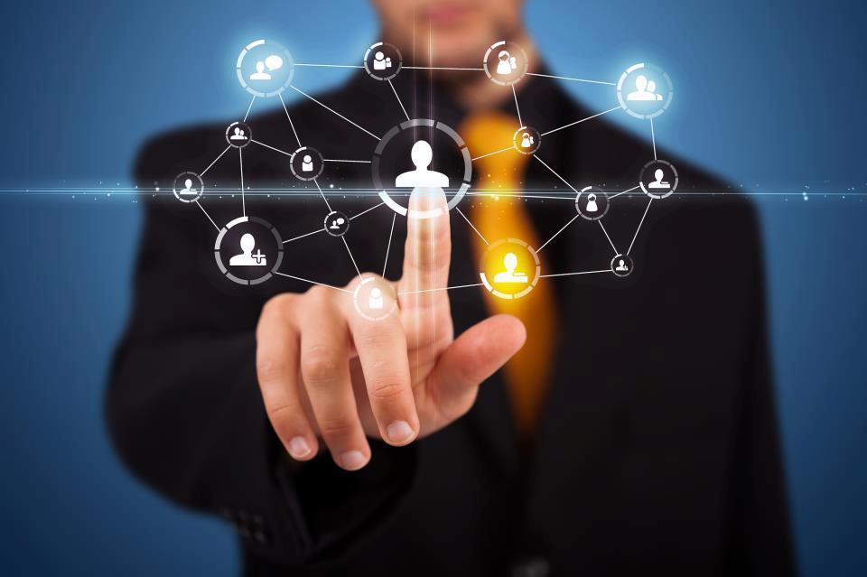 Emprego, trabalho, Recolocação profissional, recrutamento, seleção, executivos, outplacement, replacement, treinamento, gerente, técnico, mercado, capital intelectual, hunterh