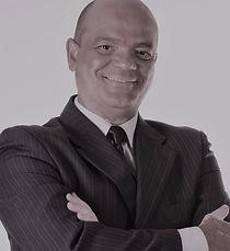Sérgio Araújo, Dr., Emprego, trabalho, Recolocação profissional, recrutamento, seleção, executivos, outplacement, replacement, treinamento, gerente, técnico, mercado, capital intelectual, hunterh