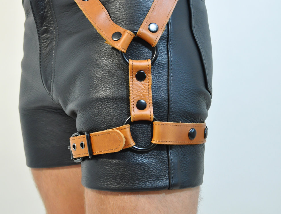 LEG BROWN LEATHER HARNESS