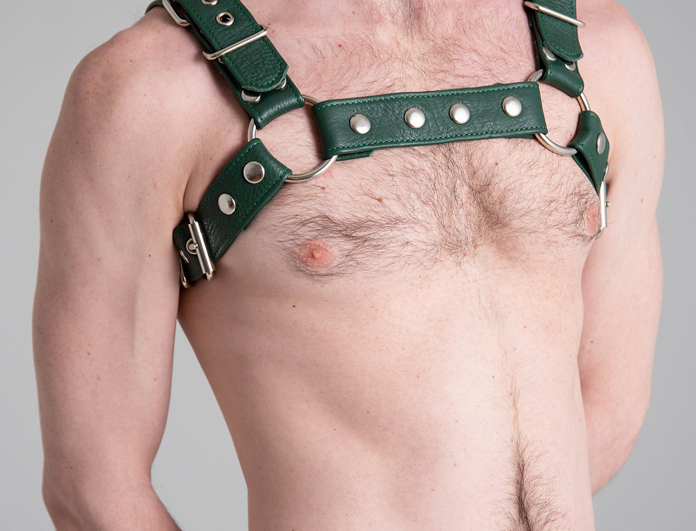 BULLDOG GREEN FOREST LEATHER with black or silver buckle and snap