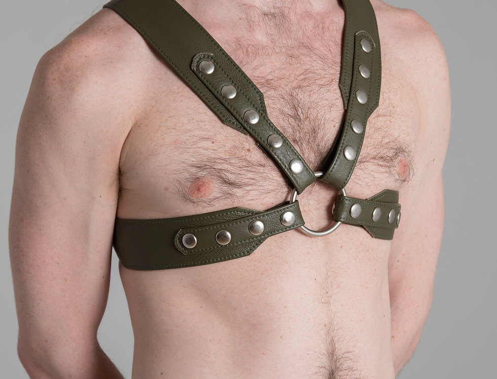 X LEATHER GREEN MILITARY HARNESS with silver or black snaps and ring