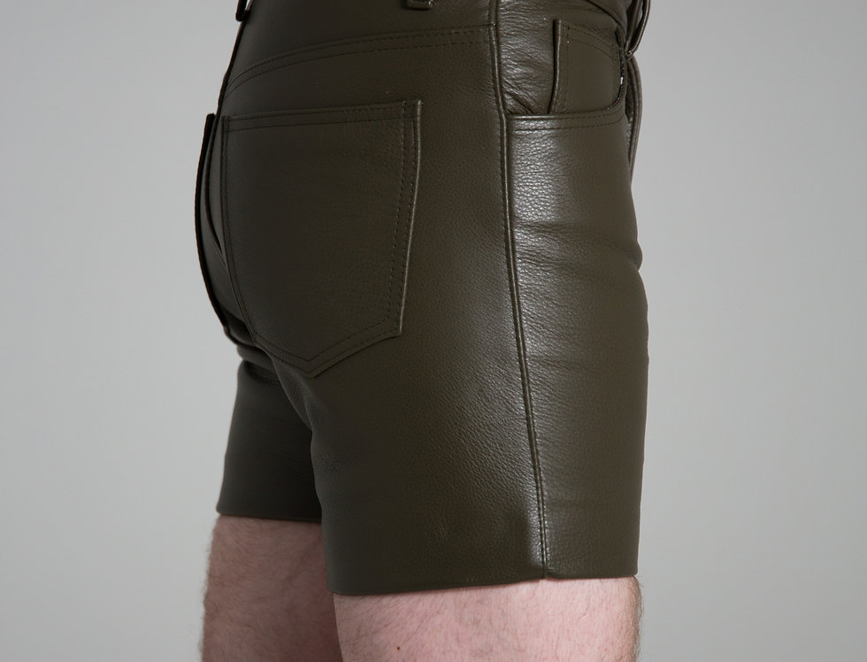 LEATHER GREEN MILITARY SHORT