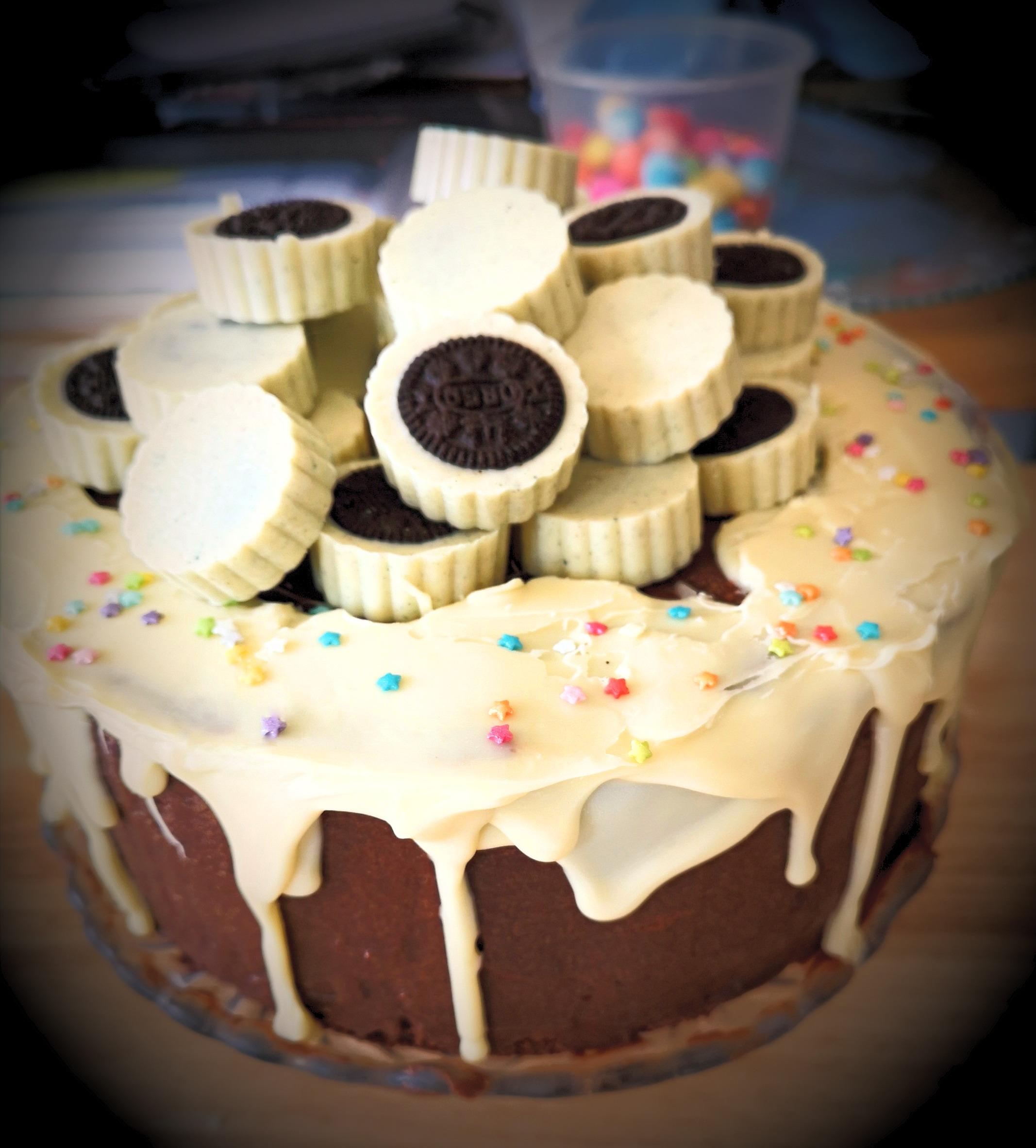 Mini Oreo Cup Topped Drip Cake