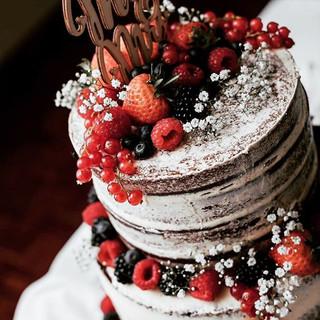 Did you know we bake vegan wedding cakes