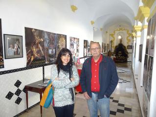 Visitando la exposición Cofrade de Jose María Sanfelix en Fuente de del Maestre