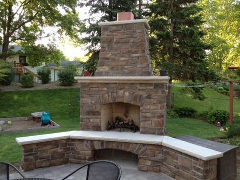 outdoor-fireplace-minnesota.jpg