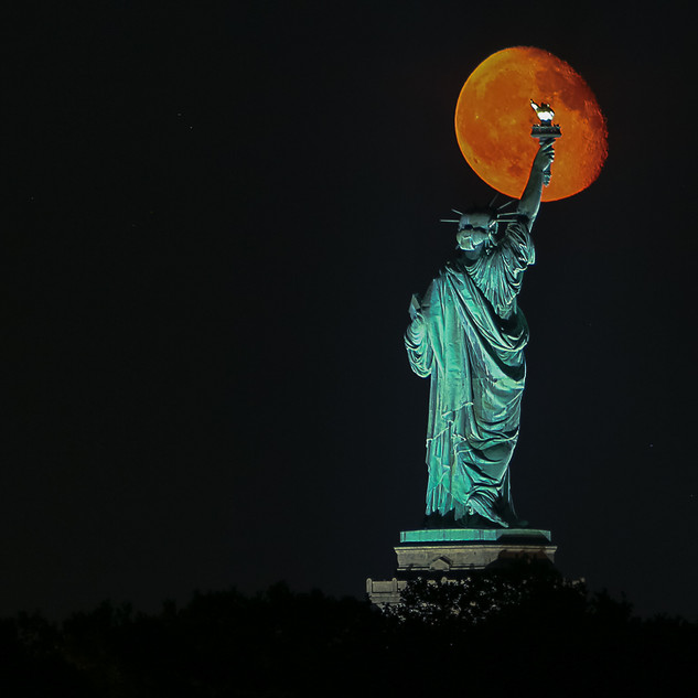 Lady Liberty @Moonrise
