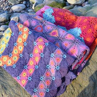 Crochet Madder Triangles Blankets