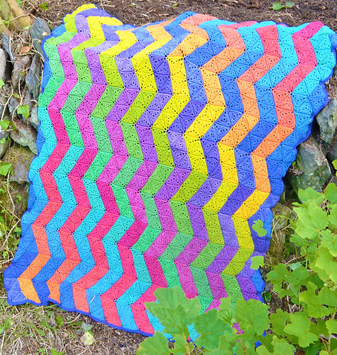 Zigzag Handmade Crochet Blanket