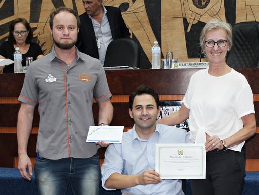 Câmara Municipal de Ponta Grossa homenageia Frederica's Koffiehuis