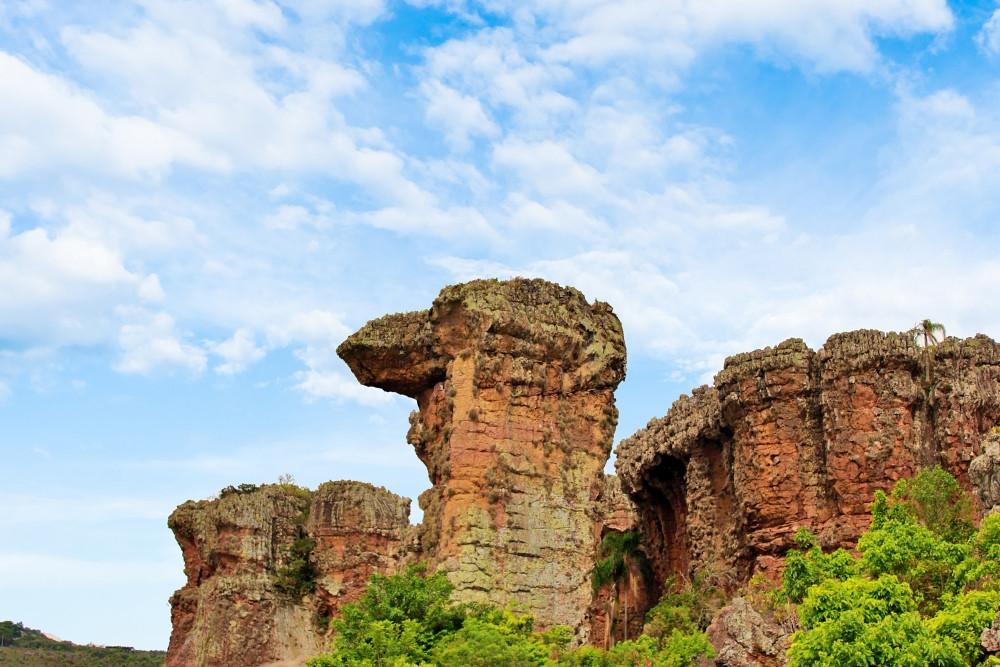 foto do camelo, um dos arenitos do Parque Vila Velha