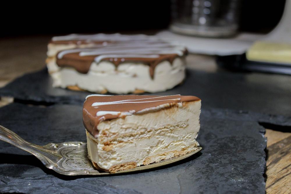 imagem de uma fatia de torta holandesa