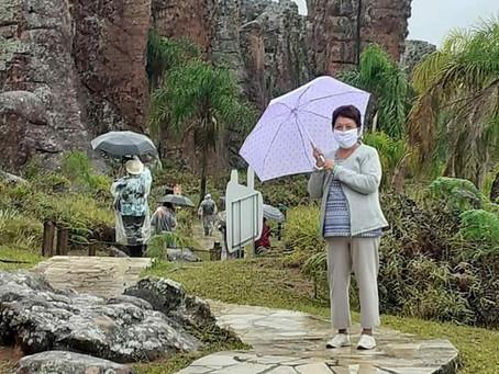 Agência de turismo visita Ponta Grossa e já programa passeios para a região