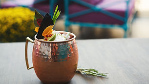 moscow-mule-cocktail-served-on-restauran
