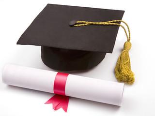 Aluna impedida de se formar, ganha liminar para entrega de TCC e  conclusão do curso.