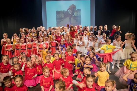 """Šokio namų """"Špagatas"""" teatralizuotas gimtadienio koncertas""""Laisvė augti"""""""