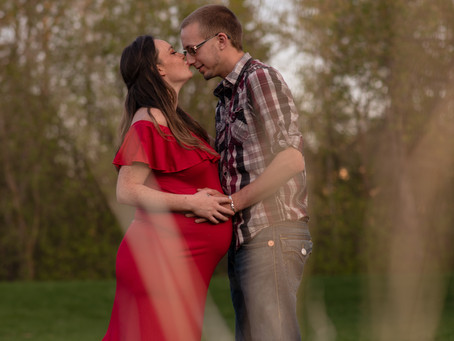 Charity & Dylan's Spring Maternity | Beaumont Maternity Photographer