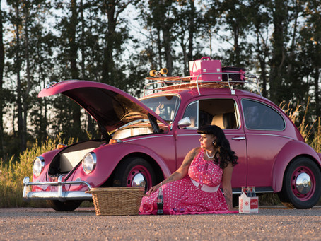 A Girl and her Bug   Beaumont Pinup Photographer