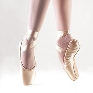 Tipos de pés, calçados para bailarinas, sapatilha de ponta, só dança, capézio, evidence, ballet, bailarina, loja ballet RJ