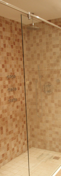 Plato de ducha y mampara a medida