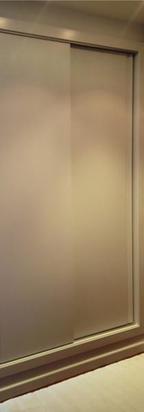 Ropero lacado puertas correderas