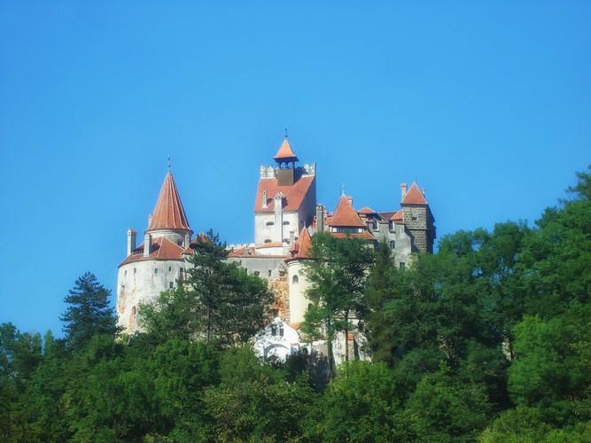 bran-castle-312918_1920.jpg