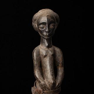 Standing Hemba figure