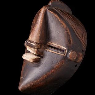 Lwalwa wood mask 2004 RU 8 C