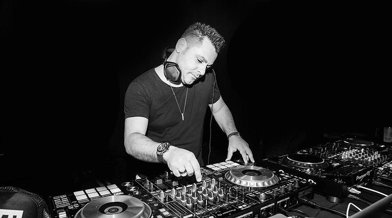 DJ DUDU PIC.png