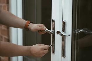 locksmith-480w.jpg