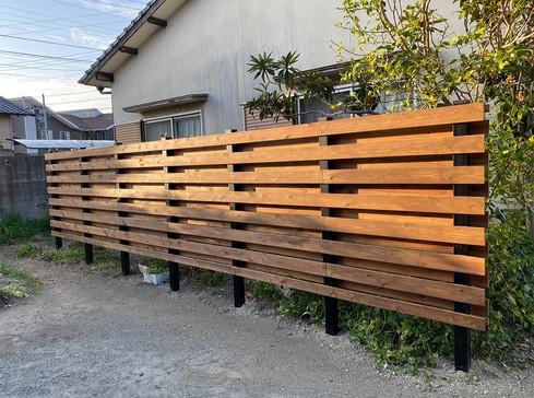 木製フェンスの設置