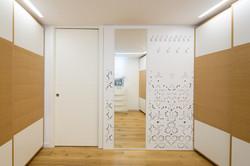 חדר ארונות חיפוי קיר