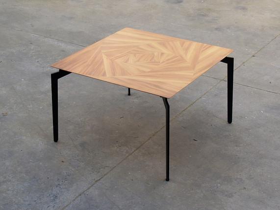שולחן קפה מרובע .jpg