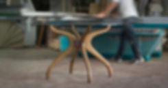 שולחן עגול עץ וזכוכית לפינת אוכל