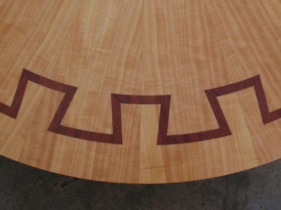 שולחן סלון עגול-פרט