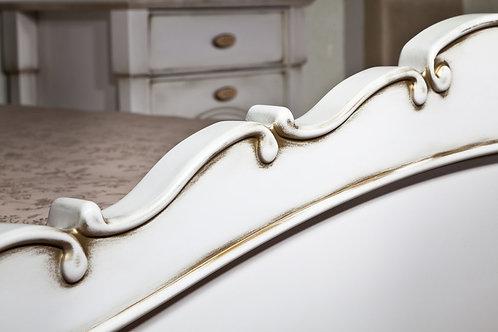 חדר שינה לבן וזהב